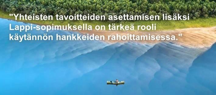 Kuva kanoottiretkeilijästä lappilaisella joella. Kuva: Juha Kauppinen | Lapin materiaalipankki