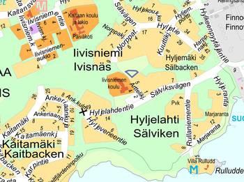 Kuvassa on opaskarttaote Kuuttipuiston leikkipaikan sijainnista.